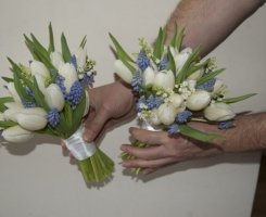 lily-of-valley-muscari-posies