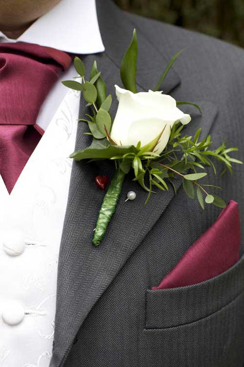 buttonhole flower how to wear
