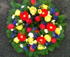 brightly-coloured-wreath-ring