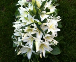 white-lily-coffin-spray