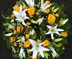 yellow-rose-lily-wreath