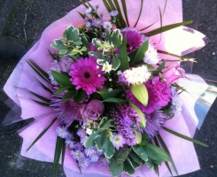 lilac-pink-handtied