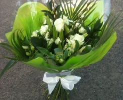 white-green-handtied