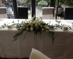 white-lily-rose-top-table