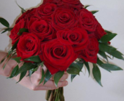 red-rose-bouquet