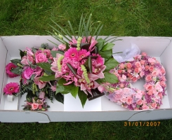 wedding-flowers-ready-for-delivery