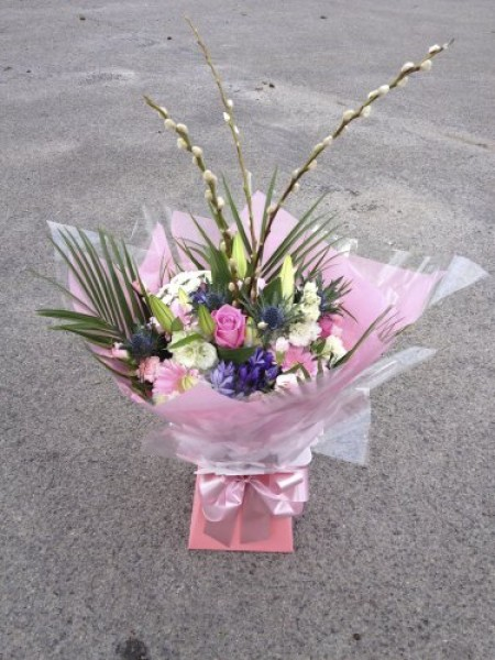 Large Hand-tied Bouquet in Presentation Box -