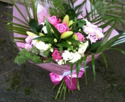 pink-white-hand-tied