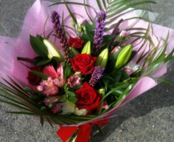 red-pink-handtied