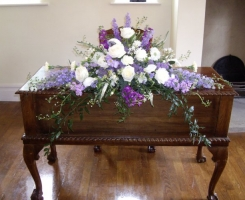 lilac-cream-top-table
