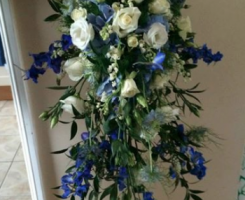 blue-and-white-shower-bouquet