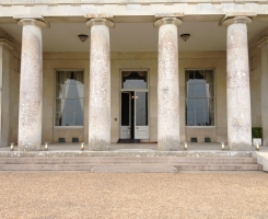 goodwood-house-candle-lanterns