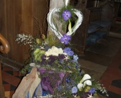 driftwood-flower-display